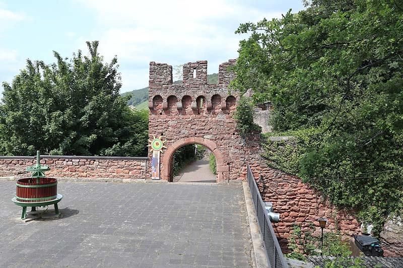 Burgruine-Clingenburg-1.jpg