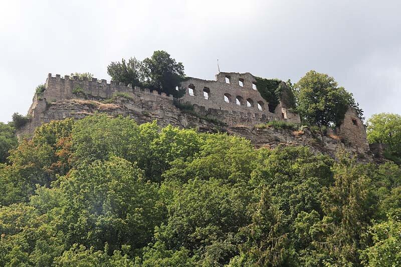 Burgruine-Karlsburg-1.jpg