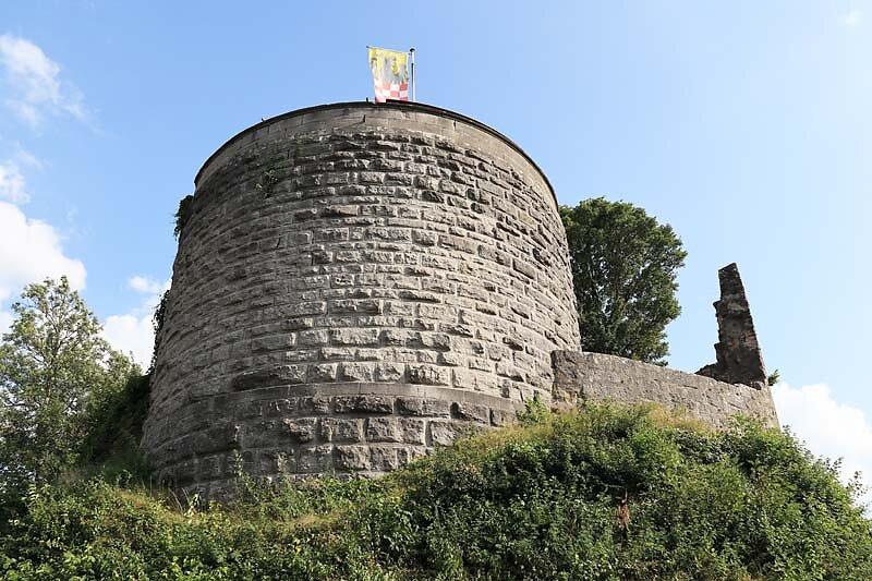Burgruine-Botenlauben-1.jpg