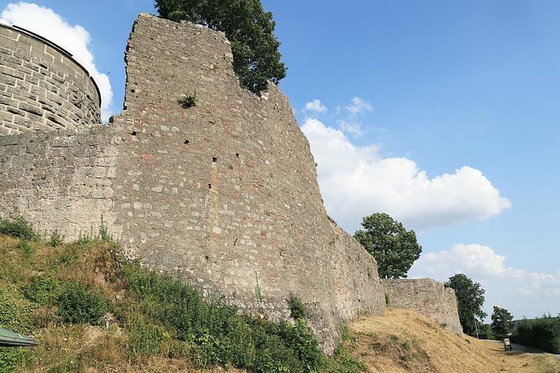 Burgruine-Botenlauben-2.jpg