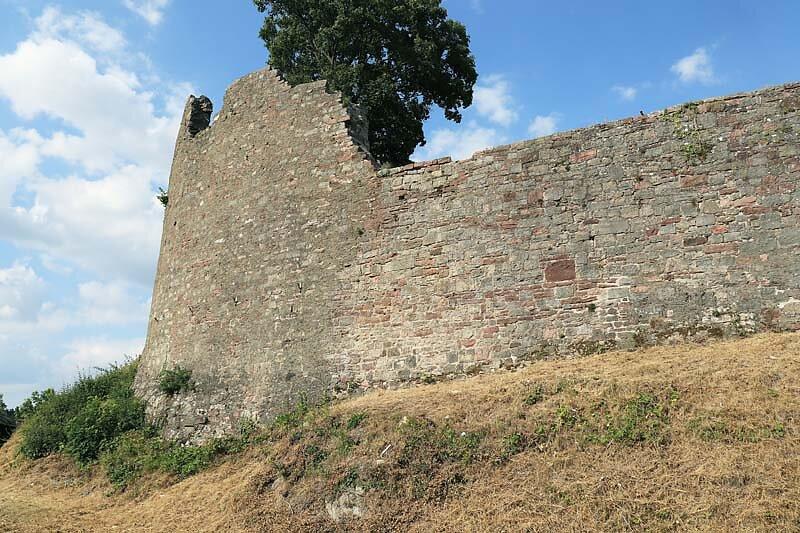 Burgruine-Botenlauben-5.jpg