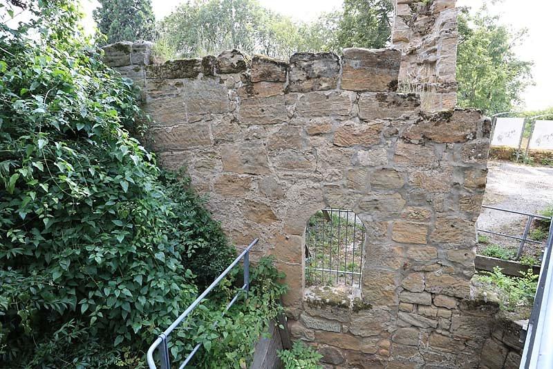 Burgruine-Lichtenstein-3.jpg