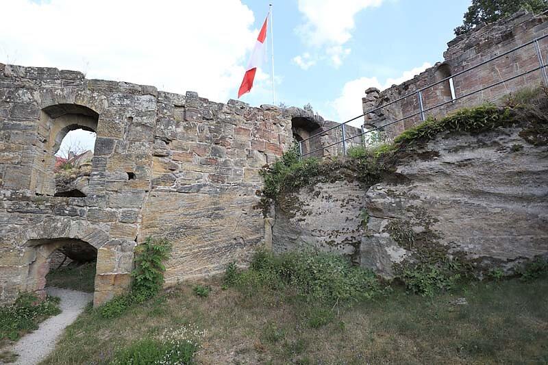Burgruine-Lichtenstein-43.jpg