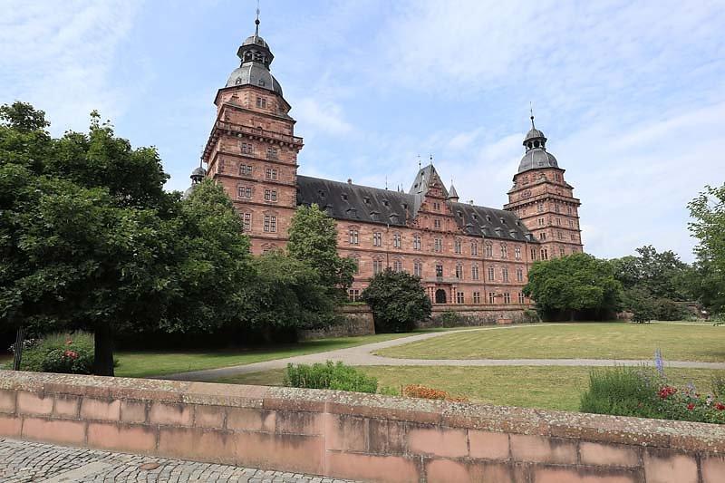 Schloss-Johannisburg-3.jpg