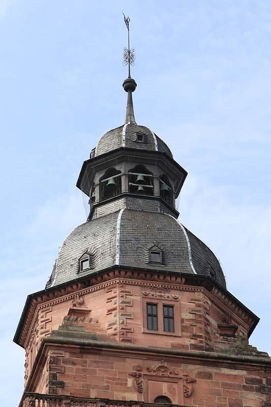 Schloss-Johannisburg-4.jpg