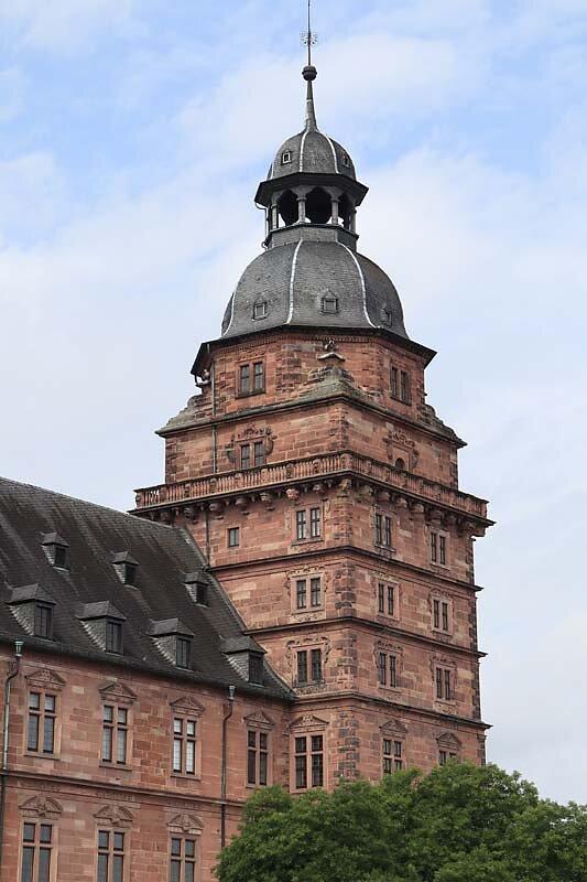 Schloss-Johannisburg-8.jpg