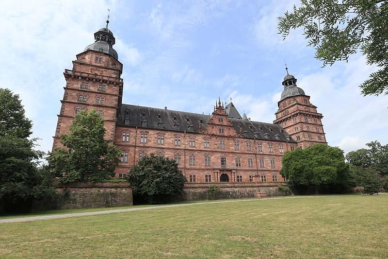Schloss-Johannisburg-15.jpg