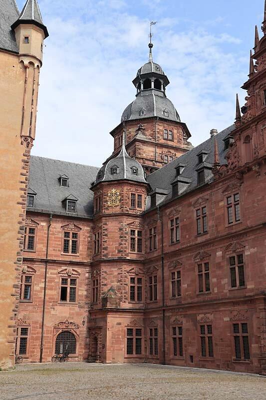 Schloss-Johannisburg-66.jpg