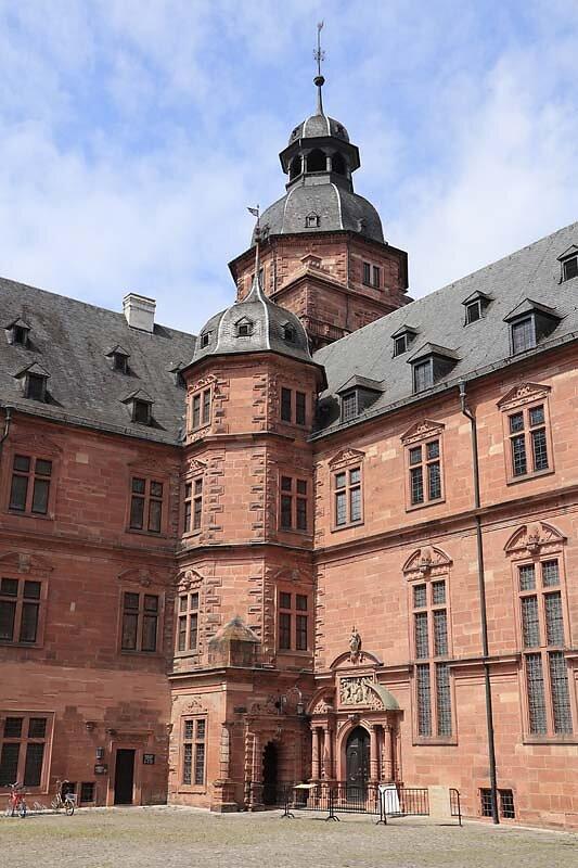 Schloss-Johannisburg-109.jpg