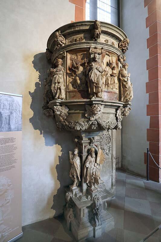 Schloss-Johannisburg-192.jpg