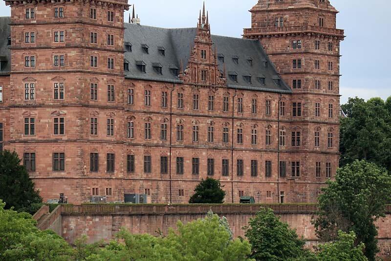 Schloss-Johannisburg-210.jpg