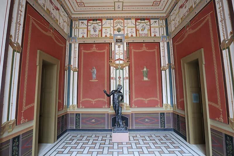 Schloss-Johannisburg-240.jpg