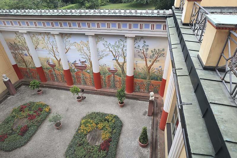 Schloss-Johannisburg-280.jpg