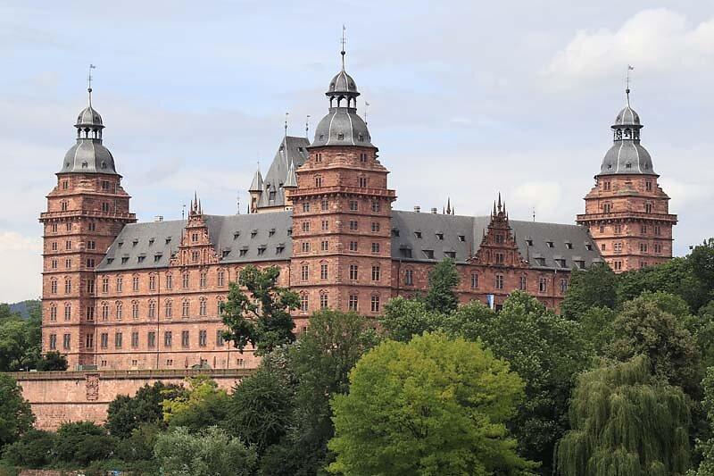 Schloss-Johannisburg-330.jpg