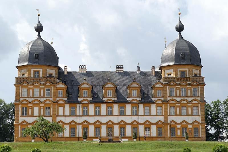 Schloss-Seehof-3.jpg