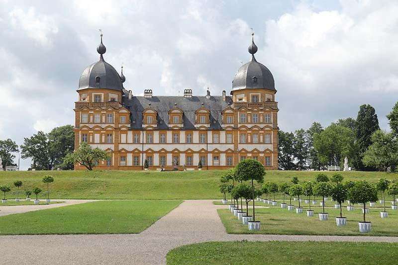 Schloss-Seehof-4.jpg
