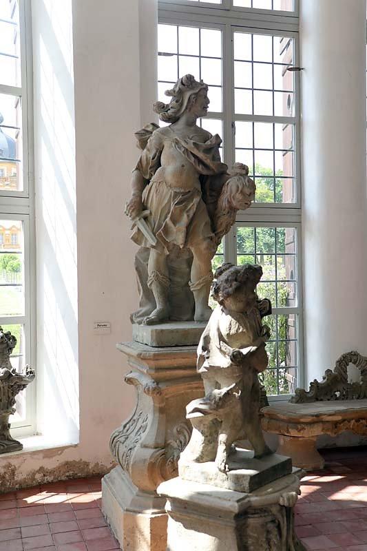 Schloss-Seehof-9.jpg