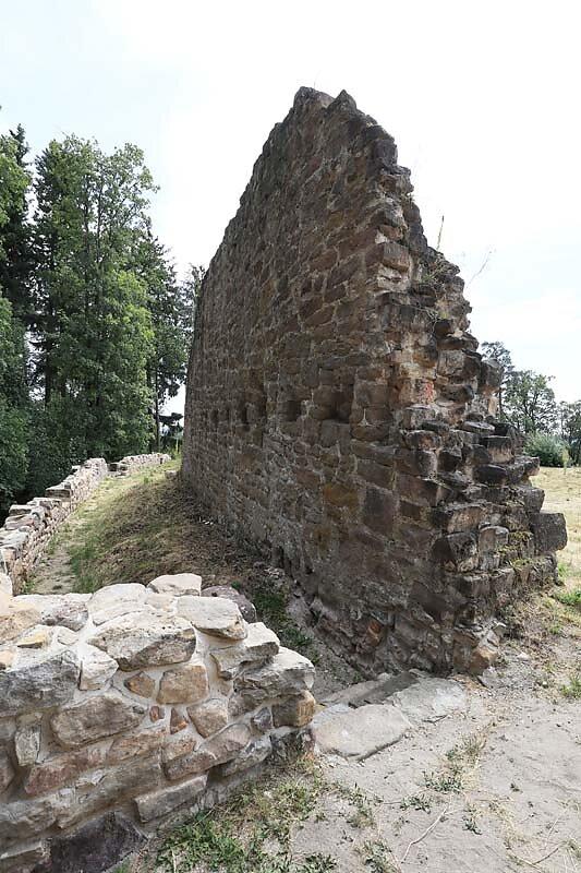 Burgruine-Rauheneck-18.jpg