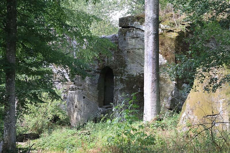Burgruine-Rothenhan-1.jpg