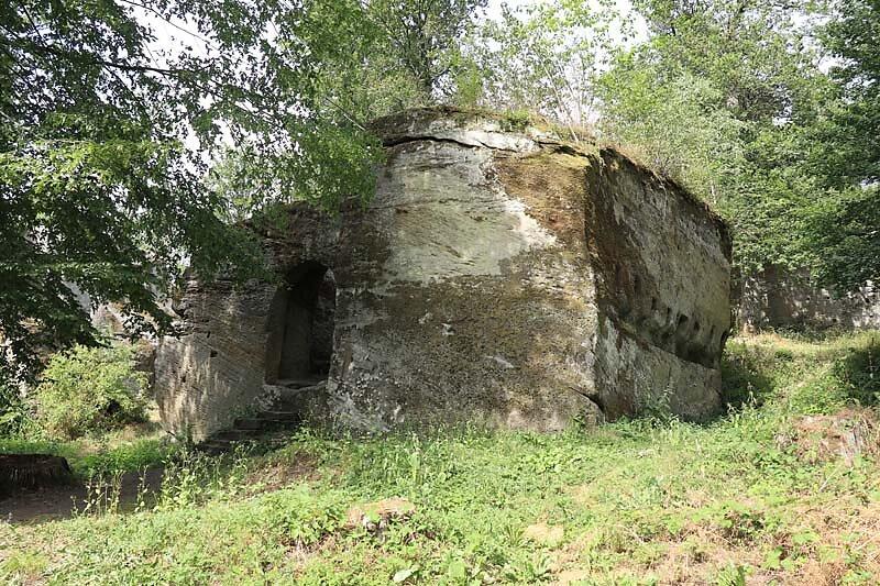 Burgruine-Rothenhan-3.jpg