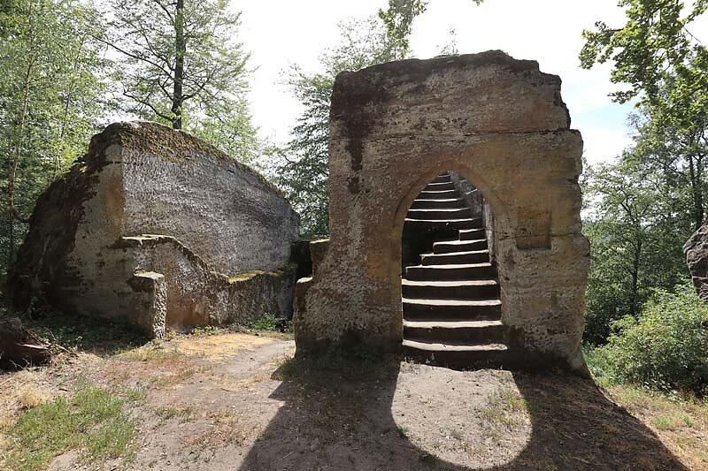 Burgruine-Rothenhan-13.jpg