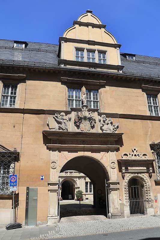 Schloss-Ehrenburg-36.jpg