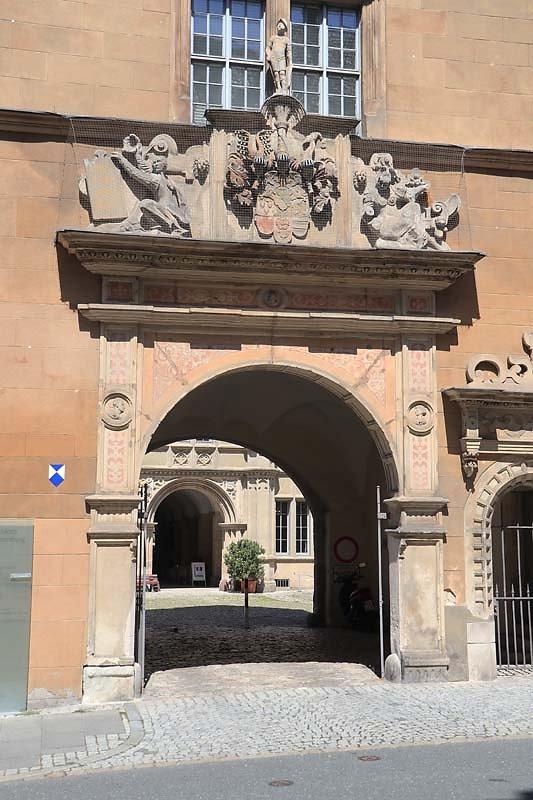 Schloss-Ehrenburg-37.jpg